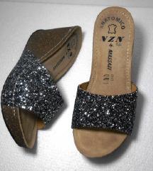 KOŽNE papuče 37