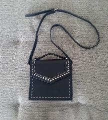 Bershka crna torba *SADA 850*