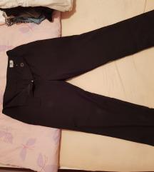 Duboke pantalone ravnog kroja