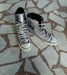 Converse- 6 1/2