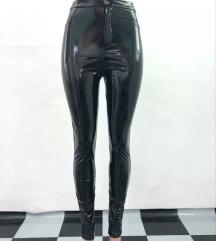 Crne PVC lakovane helanke