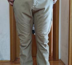 Nove Zara pantalone 42