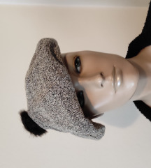 Prelepa siva beretka