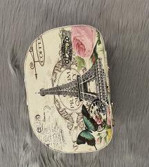 Pariz kofercic za sminku