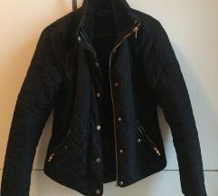 Crna prolecna jakna