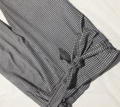 Duboke crno bele pantalone