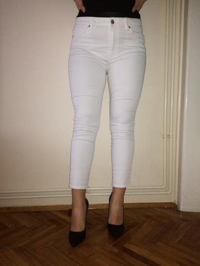 Bele pantalone H&M novo