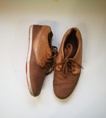 Cipele patike 43 (27.5cm)