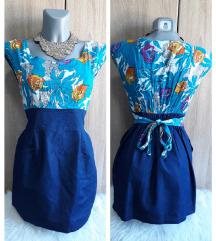 Plava cvetna haljina sa vezivanjem