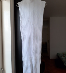 Bela rebrasta haljina