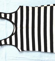 Kraća majica na crno-bele pruge