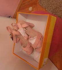 Nove sandale sa etiketom 36 br