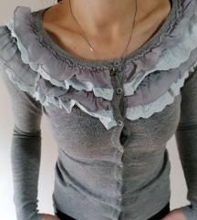 Sivi džemper sa karnerima 38 M