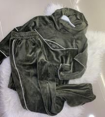 Givenchy maslinasta plisana trenerka S/M