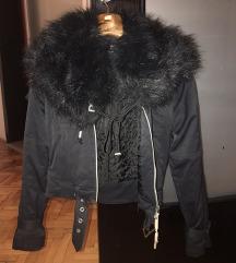 Adidass jaknica