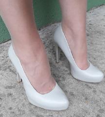 BENETTON kozne cipele salonke kao nove