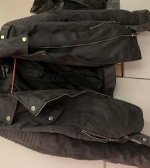 Amisu siva jaknica