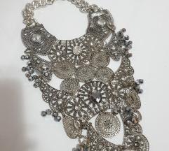 Helenadia ogrlica
