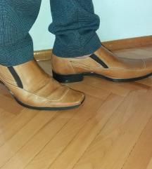 Cipele kozne br. 42/43