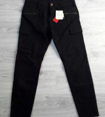 OVIESSE crne pantalone