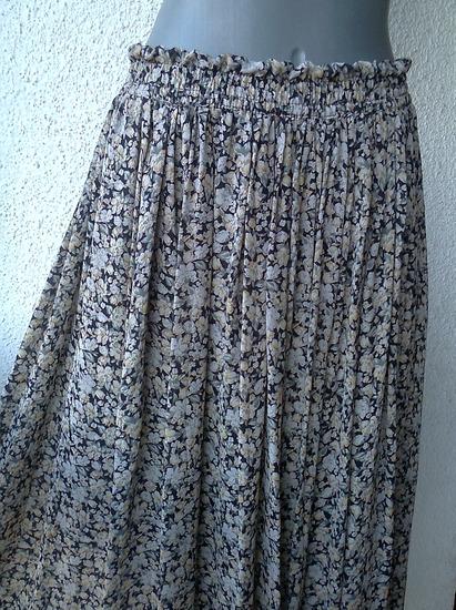 suknja široka sivo drap broj 42 ili 44