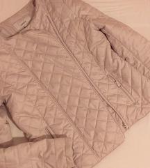 Svetlo siva jaknica za prelazni period