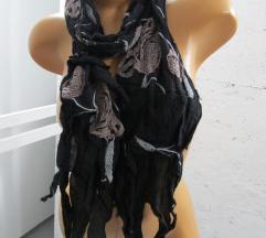 Crna dizajnerska ešarpa na cvetove NOVO