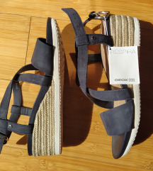 Nove kožne geox sandale br.37