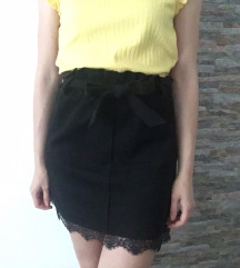 Crna suknja sa čipkom