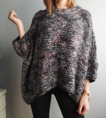 Zara džemper oversized