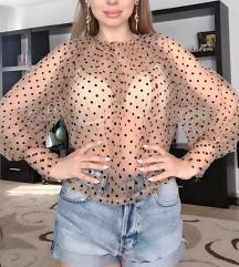 Providna bluza sa tufnicama