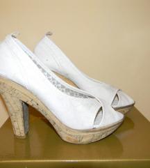 Bele cipelice