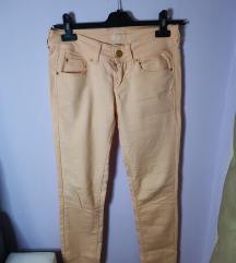 Bershka kajsija pantalone