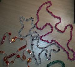 3 ogrlice + narukvica na poklon