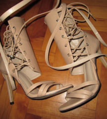 NOVO Sandale 39