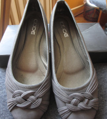 Sive kožne cipele, kao baletanke