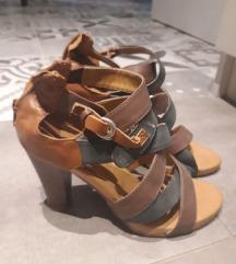 Sandale štikla braon 37