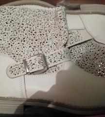 Prelepe čizme sa cirkonima