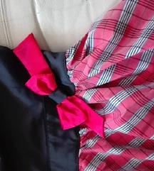 Preslatka crveno-crna haljinica