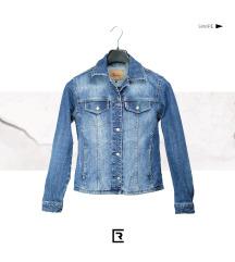 Vrhunska teksas jaknica