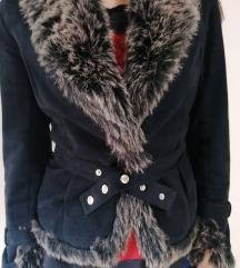 Crna jakna sa krznom M KAO NOVA