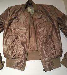 GUESS jakna kao nova M/L