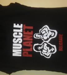 Crna majica sa natpisom