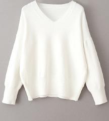Beli džemper sa V izrezom