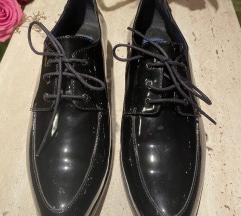 JOOP NOVE crne kozne lakovane cipele 39