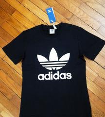 Original adidas crna majica sa etiketom