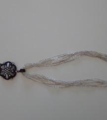 Elegantna ogrlica