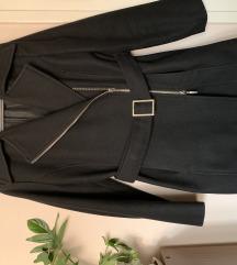 Crni kaput sa pojasom M