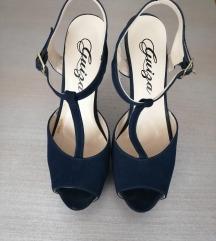 Tegetne sandale na štiklu