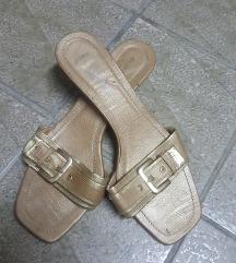 Papuce 3